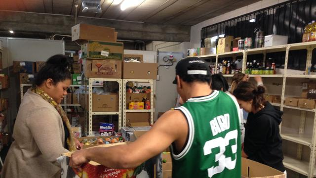 Sorting Food YSA Auckland City Mission Sep 2014