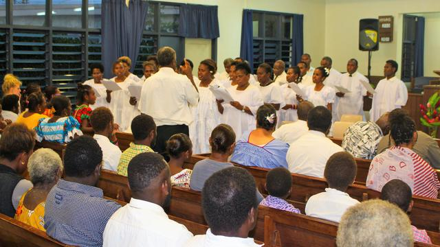 Vanuatu Latter-day Saints Gather to 'Light the World' for Christmas