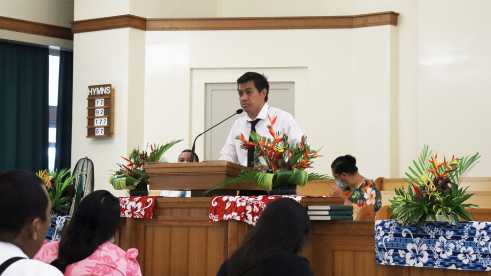 Bishop-Tuhiti-speaks-to-the-congregation-of-his-ward-in-Papeari.-French-Polynesia,-July-2021.