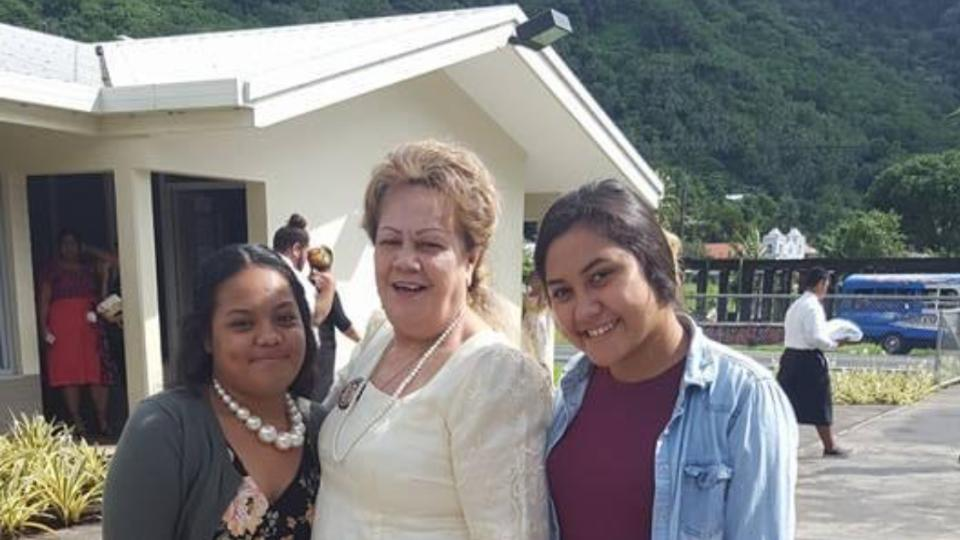 Aisa-Ieremia-and-her-daughters-outside-their-chapel-American-Samoa.-March-2021.
