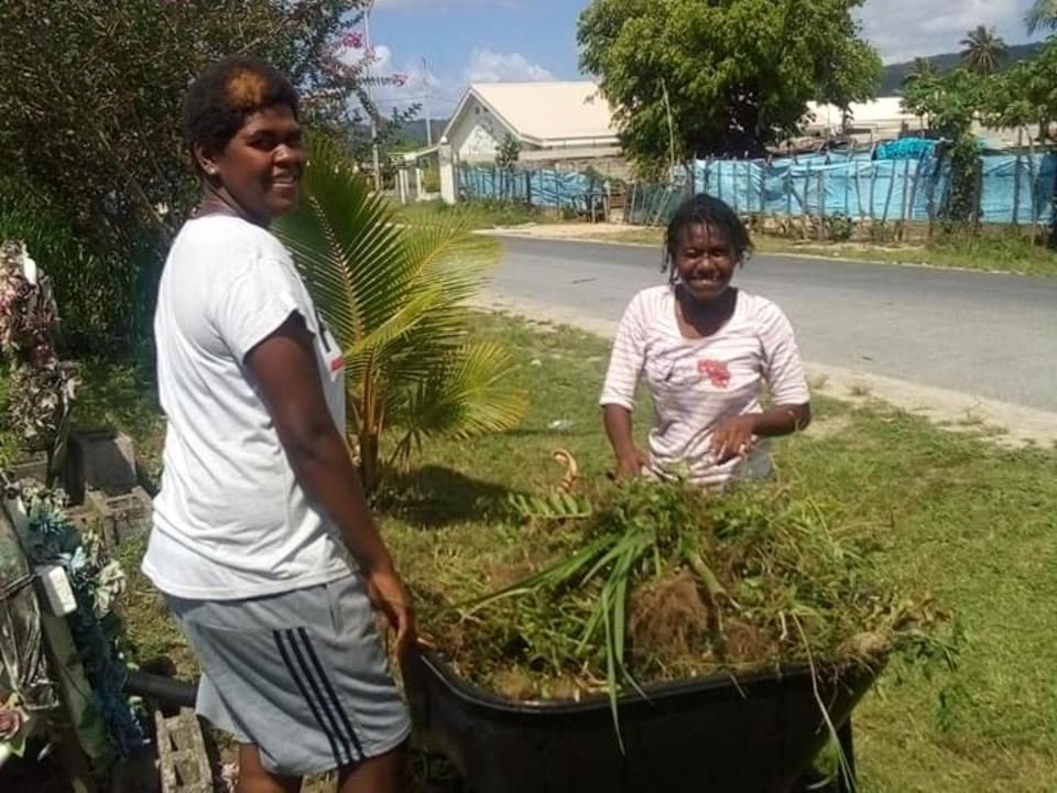 Vanuatu Latter-day Saints Serve Community by Cleaning Cemetery